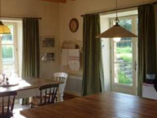 Orchard Cottage dining room