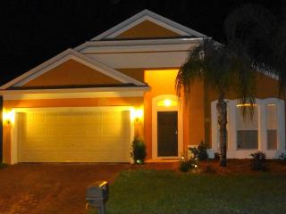 Villa Diana - Luxury 4BR Private Pool 15min Disney