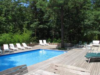Short Term Rental w/Amenities and Best Location, Sagaponack