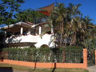 4 Bedroom 4 Bath Beach House 100' from the Ocean, Playa Potrero
