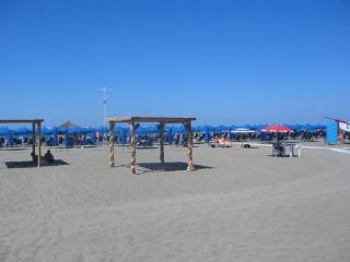 Fregene Rome best beach  near airport GARDEN AC PARKING