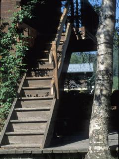 Exterior steps to first floor
