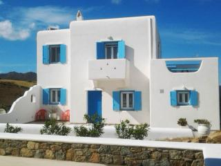 Large Mykonos Apartment Villa: Modern, Fully-Equipped, 5 min from Town