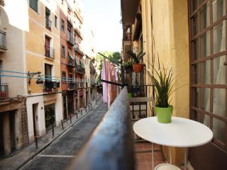 Be Barcelona - Borne - nice balcony, up to 6!