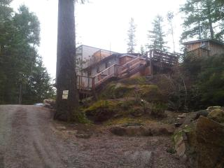 The Cottage at Secret Cove Treehouse