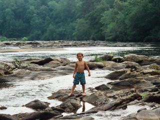 Deal 11/29-12/3 $99/nt, River home, free kayaks, Helen