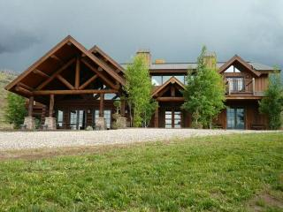 All Inclusive Private Contemporary Lodge 160 Acres, Rifle