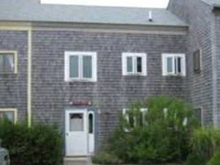 3 Bedroom 3 Bathroom Vacation Rental in Nantucket that sleeps 7 -(10168)
