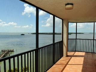 Sanibel Harbour Resort - Bay View Tower #931, Fort Myers
