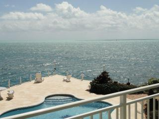 Key Largo Oceanfront Luxurious Rental