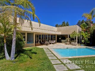 Perfect Beverly Hills Getaway with Giant City View Terrace, Hot Tub, and Pool