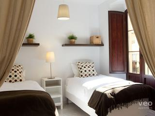 Quirós 2A. Apartment with 2-bedrooms and 2 bathrooms in central Seville