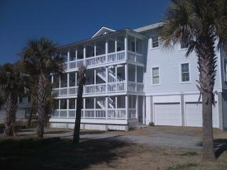 Tybee Beach Home w/private Pool, Isla de Tybee