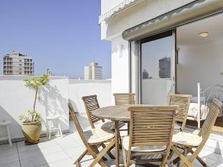 gordon beach 3 Bd PENTHOUSE/ Duplex WI, Tel Aviv
