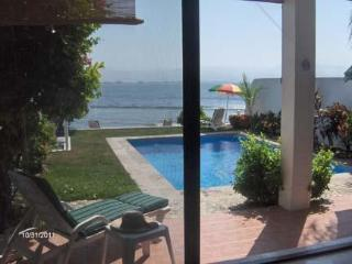 Oceanfront, 2 Bdrm Townhome, Private Pool, Wi-Fi, Bucerías