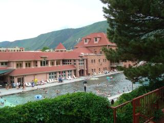 2BD/2BA CONDO: Rafting Hot Springs Hist. District, Glenwood Springs