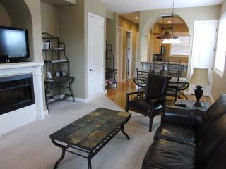 $90 a Ni Oct! 2BR 2BA Sleeps 6 with INDOOR POOL!! Located by SDC!!