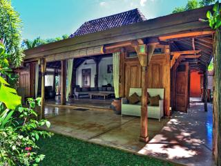 Gili Joglo, luxurious privacy in a tropical villa., Gili Trawangan