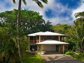 Ka Makana~ Gorgeous Hanalei Home & Short Walk to Hanalei Beach!