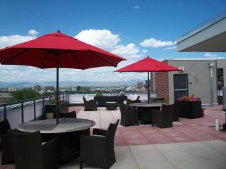 *30 Nite Min Stay - 2 BD Corporate $1950 Downtown, Denver