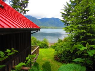 Ocean Dream is a Waterfront 1 bedroom cottage, Tofino