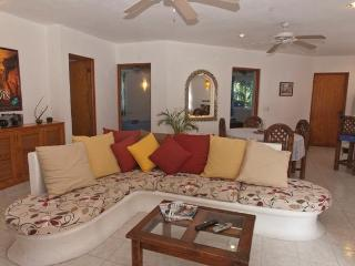 By YalKu & Caribbean 1-3 bedrooms sleep 1-6 guests, Akumal