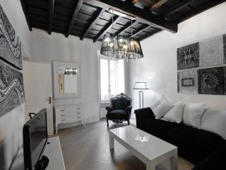 Luxury 3Bdrs 2Bths in the Heart of Rome (Grace)