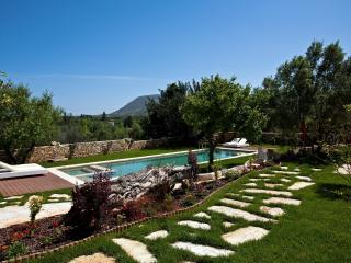 Villa Olive Villa in Crete for rent, holiday villa Crete chania, Villa with pool