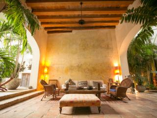 7 Bedroom Mansion in The Old Town, Cartagena