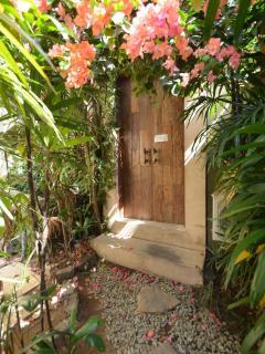 Side door from villa Karisa to villa saffira