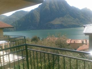 LAKE ISEO 2 bedrooms  APARTMENT - ULIVI -, Riva di Solto