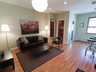 Chic 2 Bdrm Hip W'burg Brooklyn 5 Min to Manhattan