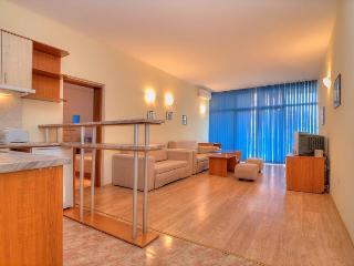 Apartment Central Sunny Beach sleeps 6
