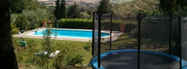 piscina e tappeto elastico