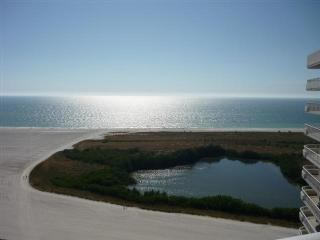 SUPER NICE condo with updated decor and stunning beach views, Isla Marco