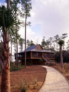 Path leading to Eagle Island Lodge