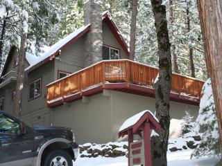 Peaceful Mountain Getaway Near Pinecrest Lake