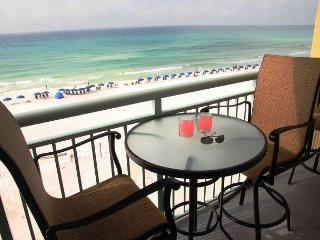 PI 510:Two KINGS! Reserved garage parking, granite,stainless, WIFI, 5 LED Tvs, Fort Walton Beach