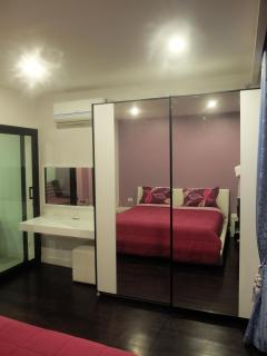 mirror wardrobe in bedroom 304