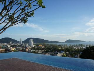 Patong 2 cheap condo swim pool on rooftop & fitnes