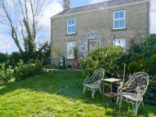 HILLSIDE COTTAGE, romantic cottage with WiFi and a garden, in Peasedown Saint John, Ref 14158, Peasedown St John