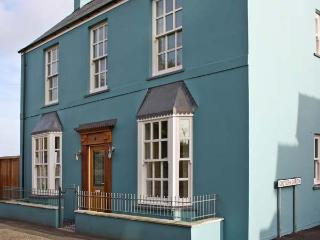 CROWN COTTAGE, family friendly, luxury holiday cottage, with a garden in Penally, Ref 10551, Tenby