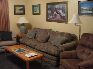White Mountains, NH  Resort Condo with pool, Lincoln