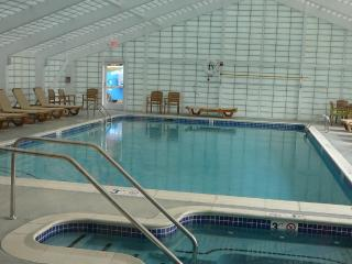 White Mountains, NH  Resort Condo with pool