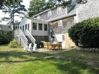 WONDERFUL CAPE STYLE BREWSTER HOME WITH 3 BEDROOMS AND 2.5 BATHS, Brewster