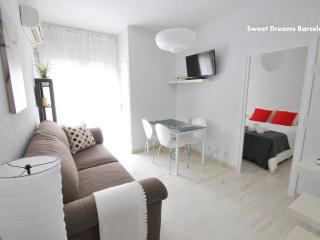 Cozy Apartment at Gracia district. Well located.