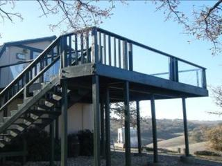 Bluemoon Hideaway- Winecountry studio with a view!, Paso Robles