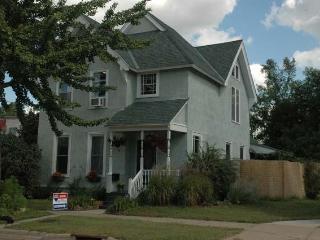 The Berg House - Elegant City Living, Saint Paul