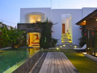Villa Casabianca Stunning 4 Bedroom In Petitenget
