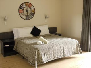 Large Studio with King Size Bed